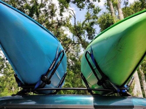 kayaks on pickup